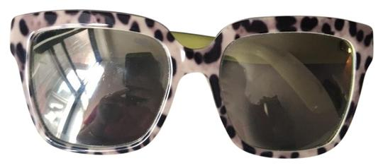 Preload https://img-static.tradesy.com/item/22247080/dolce-and-gabbana-leopard-dolce-and-gabbana-print-mirrored-sunglasses-0-1-540-540.jpg
