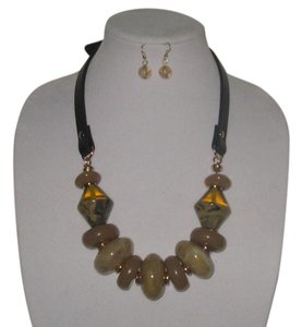 OTHER CHUNKY TORTOISE MARBLE LEATHER STRAP STATEMENT NECKLACE EARRINGS SET