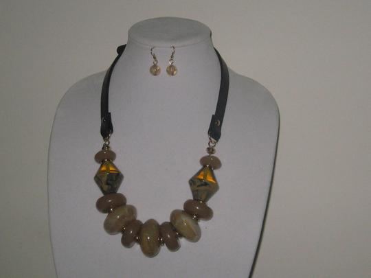 OTHER CHUNKY TORTOISE MARBLE LEATHER STRAP STATEMENT NECKLACE EARRINGS SET Image 1