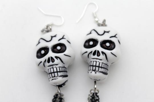 Alwaystyle4you Women Silver Chains Fashion White Skeleton Pirate Skull Earrings Image 2