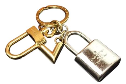 Louis Vuitton Auth LOUIS VUITTON Silver and Gold Tone Padlock Shaped Key Holder Image 1