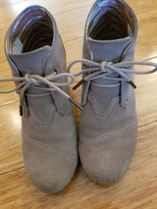 TOMS Suede Taupe/sand Boots
