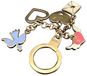 Louis Vuitton Auth LOUIS VUITTON Key Holder Charm Vintage Bird Heart Letter