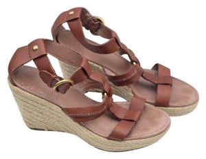 Fossil tan Wedges