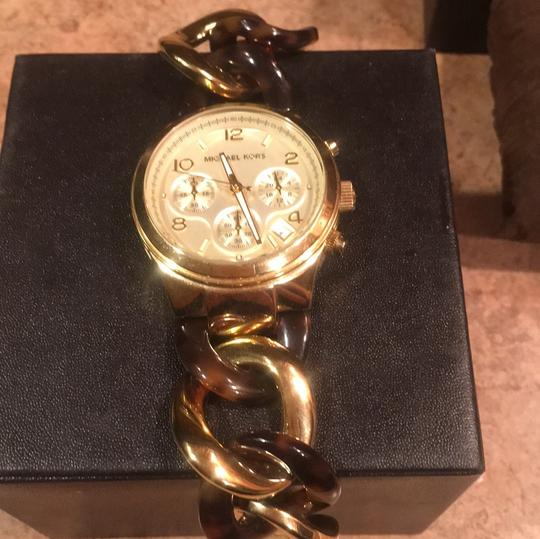 Michael Kors Twisted Gold/Tortoise Watch Michael Kors Image 2