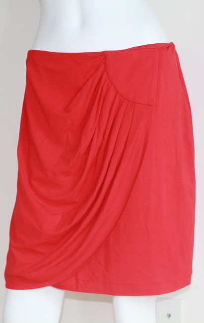 Cache Skirt Red Image 3