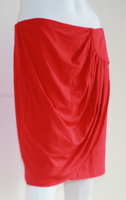 Cache Skirt Red Image 4