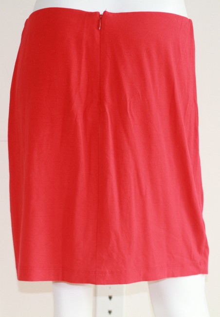 Cache Skirt Red Image 5