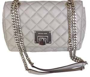 0da8465d85ee Michael Kors Quilted Bags - Up to 70% off at Tradesy