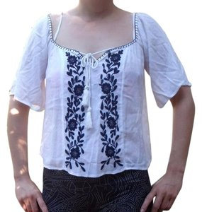 Band of Gypsies Off Shoulder New With Tags Hippie Gypsy Boho Top White, Blue