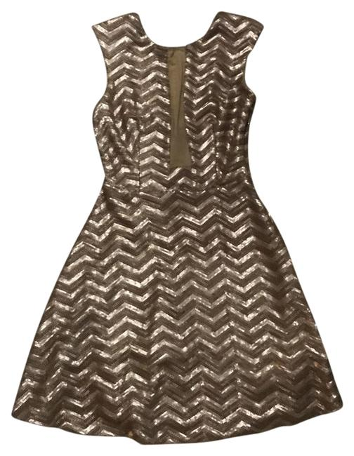 Preload https://img-static.tradesy.com/item/22250604/bebe-champagne-chevron-sequin-mid-length-cocktail-dress-size-6-s-0-1-650-650.jpg