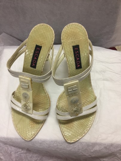 Escada Suede Ivory/Pearl Leather Black Sandals Image 10