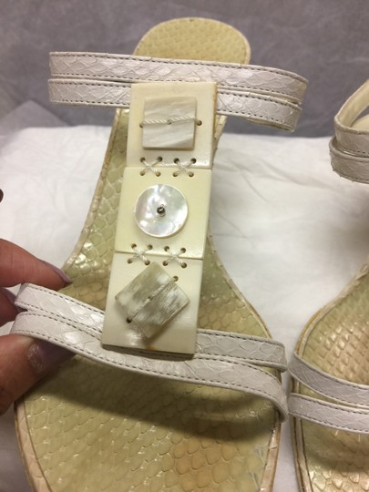 Escada Suede Ivory/Pearl Leather Black Sandals Image 4
