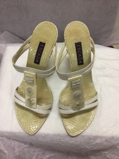 Escada Suede Ivory/Pearl Leather Black Sandals Image 7