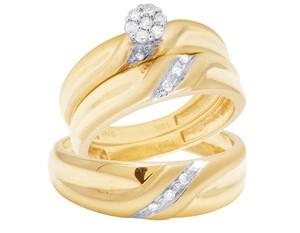 Jewelry Unlimited 10K Yellow Gold Diamond Cluster Trio Wedding Ring Set 0.16 Ct