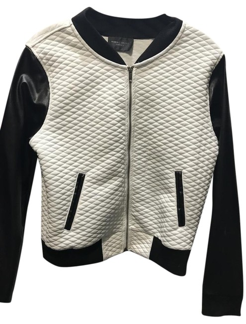 Preload https://img-static.tradesy.com/item/22251923/romeo-and-juliet-couture-black-and-white-jacket-size-8-m-0-1-650-650.jpg