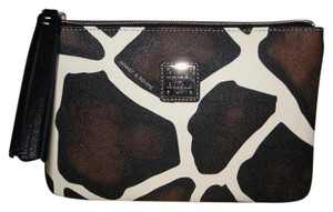 Dooney & Bourke Giraffe Pouch Large Carrington Cosmetic Black Clutch