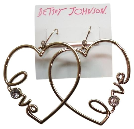 Preload https://img-static.tradesy.com/item/22254425/betsey-johnson-gold-heart-dangle-earrings-0-1-540-540.jpg