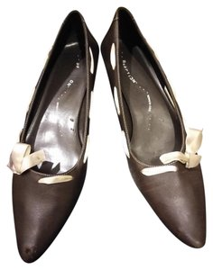 Kenneth Cole Reaction Brown Pumps