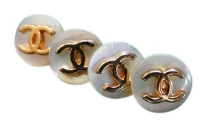 Chanel Chanel buttons