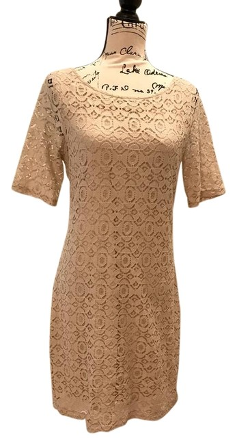 Preload https://img-static.tradesy.com/item/22257648/banana-republic-champagne-classic-lace-shift-mid-length-cocktail-dress-size-12-l-0-1-650-650.jpg