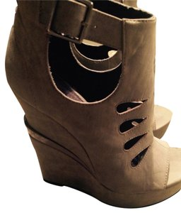 Michael Antonio Gray Wedges