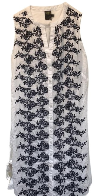 Preload https://img-static.tradesy.com/item/22259406/taylor-white-embroidered-sleeveless-short-casual-dress-size-10-m-0-1-650-650.jpg