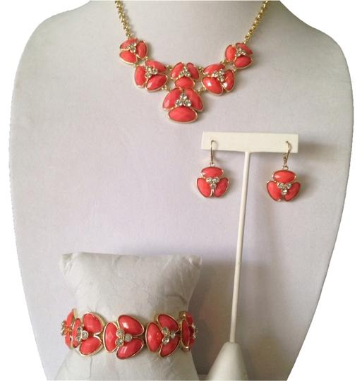 Preload https://img-static.tradesy.com/item/2225951/bill-blass-coralcrystalgold-nwot-3-piece-set-faceted-resin-and-crystal-flower-design-necklace-earrin-0-0-540-540.jpg