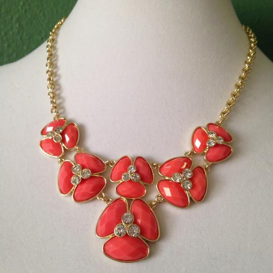Bill Blass NWOT 3-Piece Set, Faceted Coral Resin & Crystal Flower Design Necklace, Earrings & Bracelet