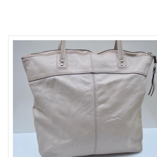 Coach Tote in off white Image 1