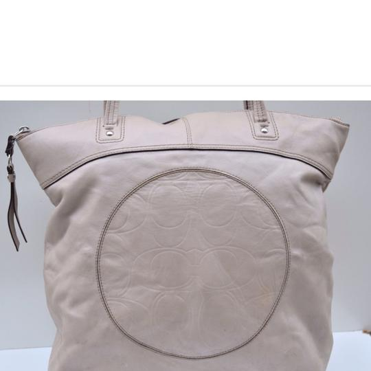 Coach Tote in off white Image 7