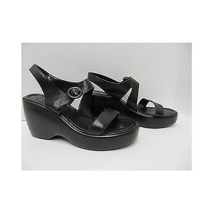 Anne Klein Womens Leather Strappy Platform Blacks Sandals