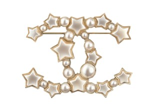 Chanel #HK007 A17B CC SOLD OUT 2017 pearl gold hardware brooch pin star shape
