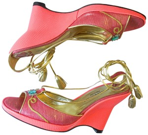 Hollywould Coral Wedges