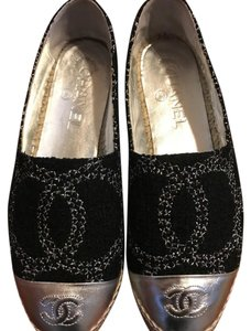 Chanel black & Silver Flats