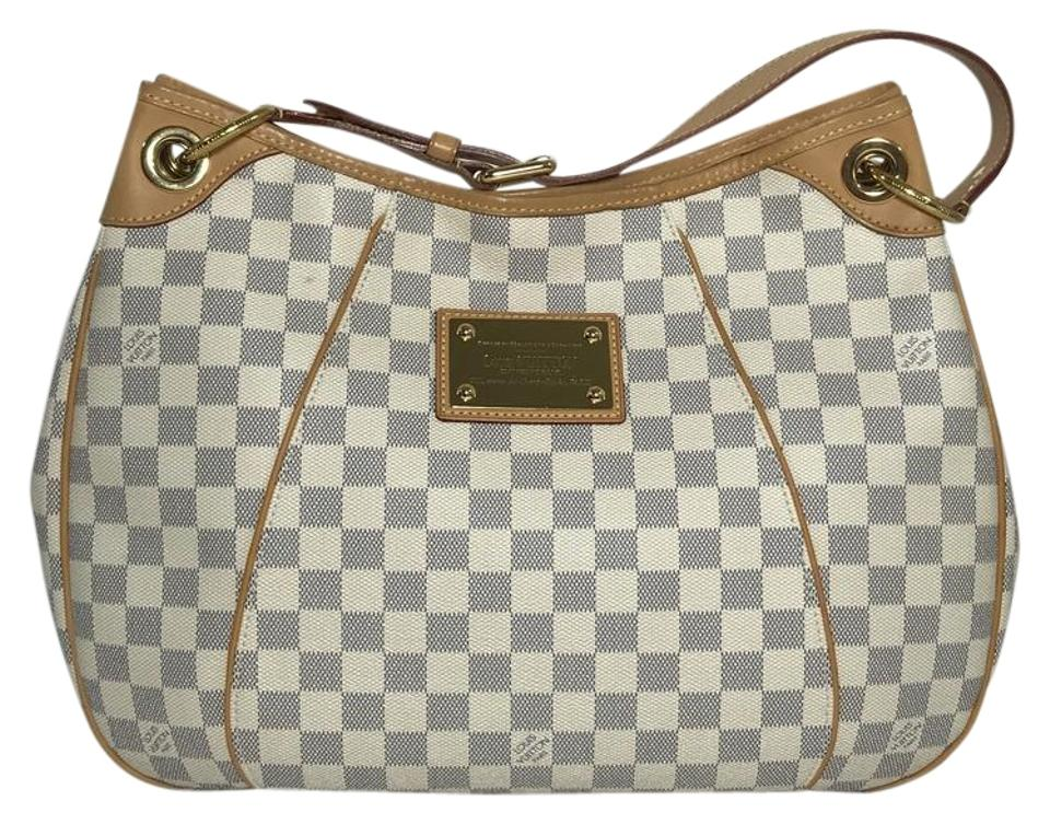 d7e9ac406ce1 Louis Vuitton Bags - Up to 90% off at Tradesy