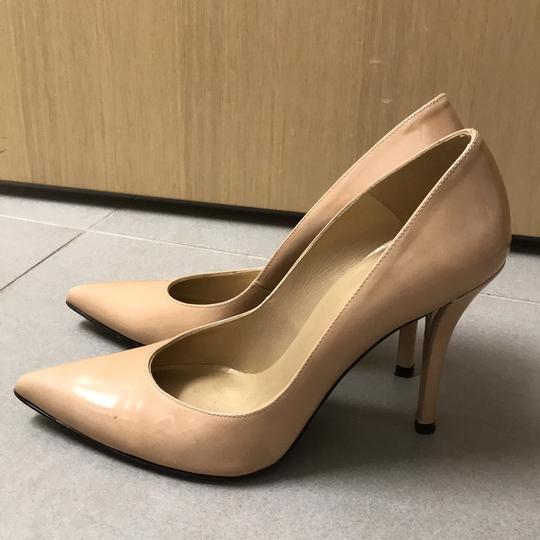 Preload https://item4.tradesy.com/images/stuart-weitzman-nude-trouble-pumps-size-eu-375-approx-us-75-regular-m-b-22270593-0-0.jpg?width=440&height=440