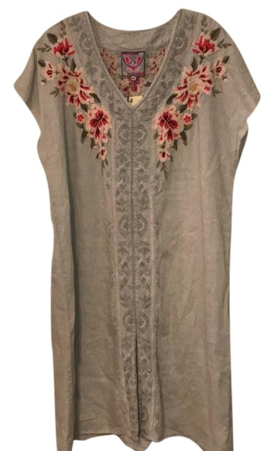 Item - Grey Embroidered Christine Front Slit Mid-length Short Casual Dress Size 16 (XL, Plus 0x)