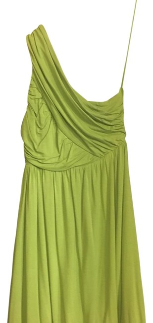 Preload https://img-static.tradesy.com/item/22271473/alice-olivia-green-one-shoulder-short-night-out-dress-size-4-s-0-1-650-650.jpg
