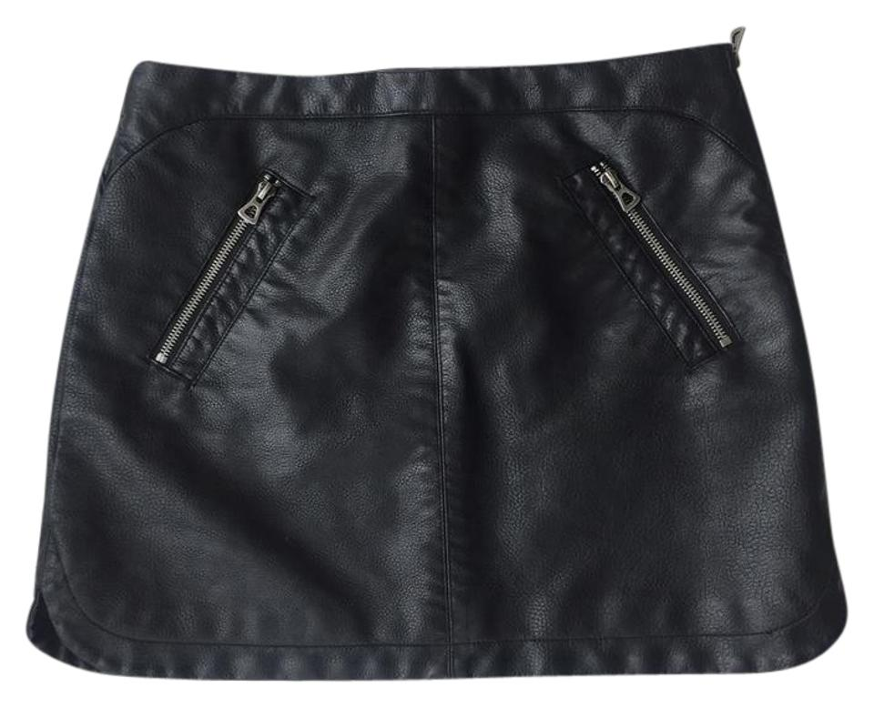 cc98acf4406 Silence + Noise Black Urban Outfitters Faux Leather Skirt Size 8 (M ...