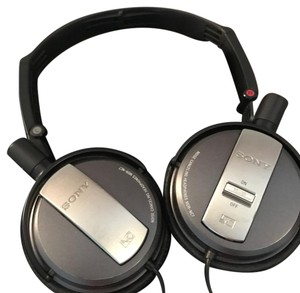 Sony Bluetooth headphones noise canceling