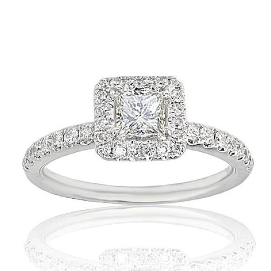 SWD LUCIA HALO SET PRINCESS CUT DIAMOND ENGAGEMENT RING