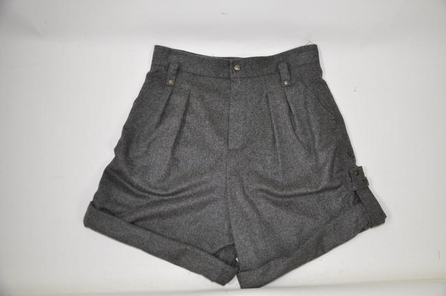 Preload https://item3.tradesy.com/images/chloe-grey-wool-high-waist-mid-length-38-made-in-france-cuffed-shorts-size-6-s-28-2227302-0-0.jpg?width=400&height=650