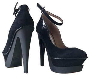 Jimmy Choo Designer Made In Italy Black Pumps