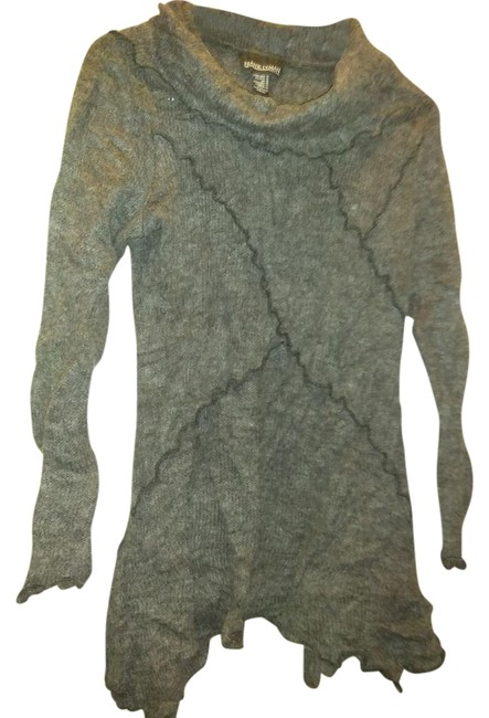 Item - Design Made In Canada Charcoal Grey Sweater