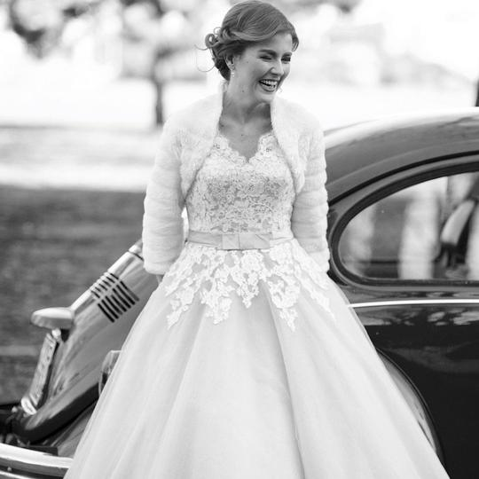 Preload https://img-static.tradesy.com/item/22276712/justin-alexander-oysterivory-lace-and-tulle-8815-vintage-wedding-dress-size-10-m-0-0-540-540.jpg