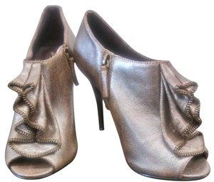 Elizabeth and James Metalic gray with hint of gold Pumps