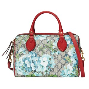 11846de52a2 Added to Shopping Bag. Gucci Blooms Canvas Shoulder Bag. Gucci Boston  Blooms Gg Supreme ...