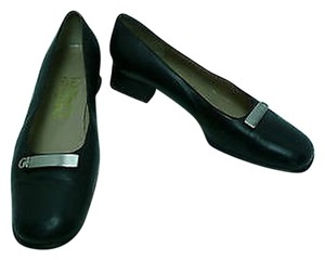 Salvatore Ferragamo Leather Loafers Heels Blacks Flats