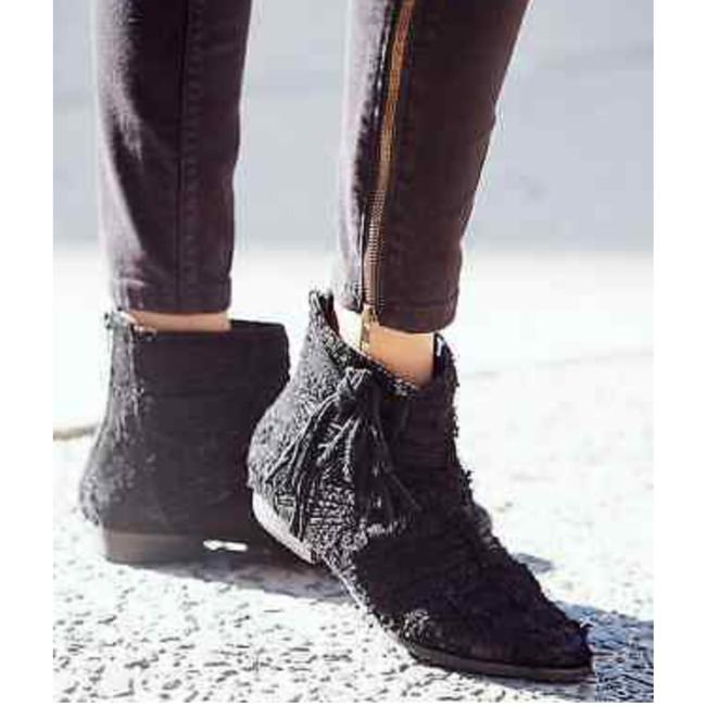 Free People Black Distress Fringed Suede Decades Ankle Boots/Booties Size EU 36 (Approx. US 6) Regular (M, B) Free People Black Distress Fringed Suede Decades Ankle Boots/Booties Size EU 36 (Approx. US 6) Regular (M, B) Image 1